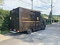 Footing de confinement (avril 2020) - camion UPS en livraison, rue des Andrés (Saint-Maurice-de-Beynost).jpg