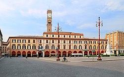 Forlì, piazza aurelio saffi, palazzo municipale 01.jpg