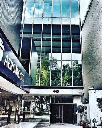 Former Aeroméxico Headquarters Building - Entrance from Paseo de la Reforma