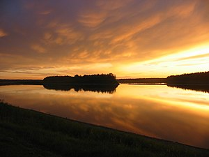English: Sunset from shore of Peace River in F...