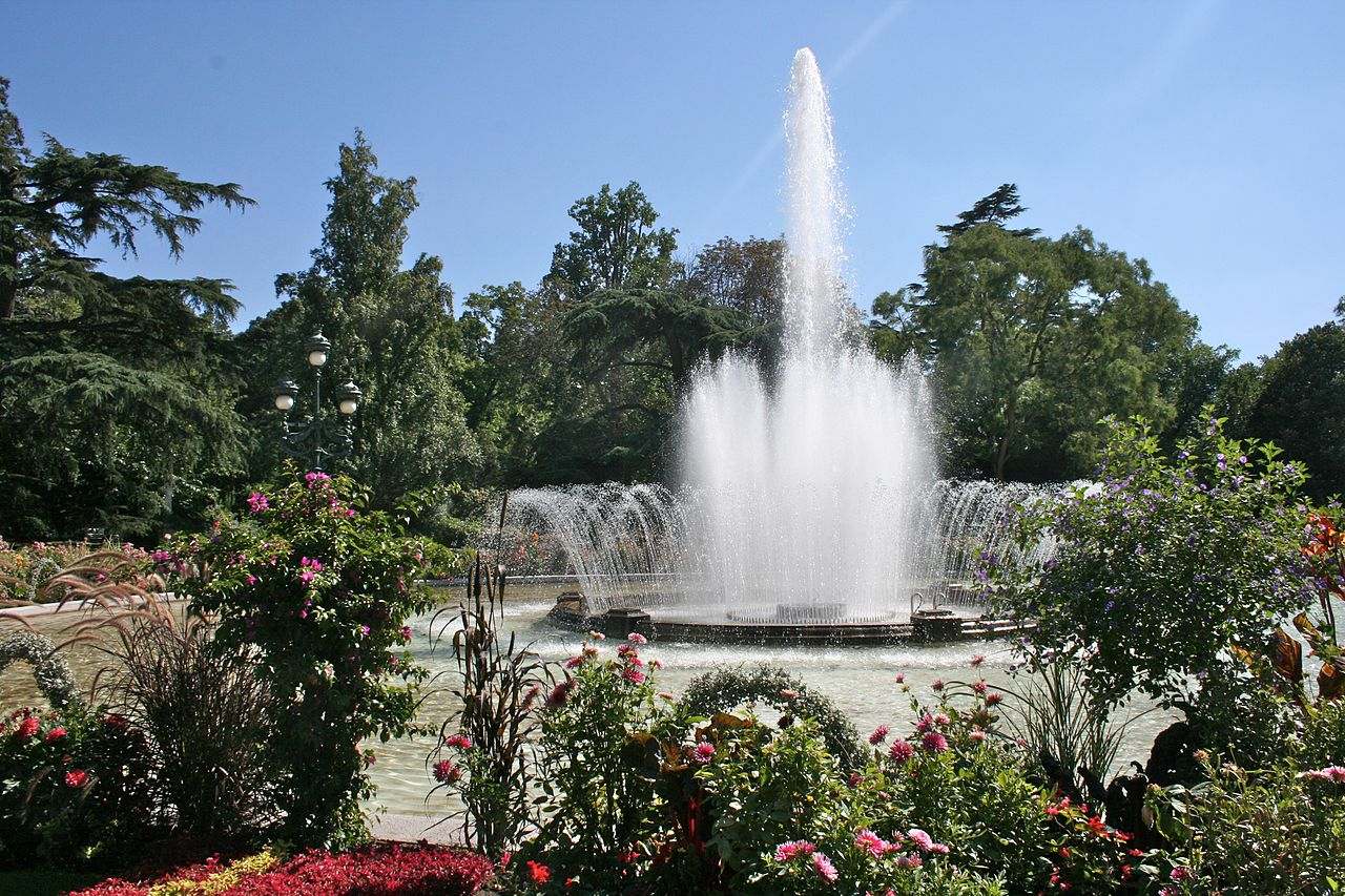 File fountain in jardin des plantes for Salon de jardin toulouse