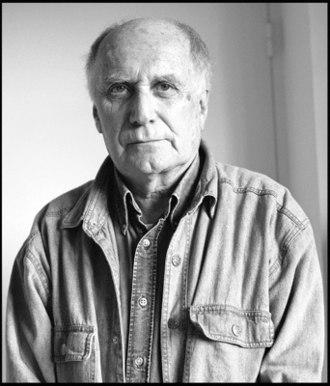 François Maspero - Black and white portrait of François Maspero