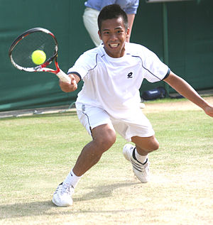 Francis Alcantara - Alcantara playing in the second round of boys singles at Wimbledon on 29 June 2010