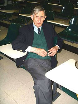 Freeman Dyson at Harvard.jpg
