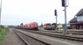 Güterzug mit ÖBB 2016 Doppeltraktion im Bahnhof Fürstenfeld (Thermenbahn).png
