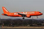 "G-EZUI A320 Easyjet ""200th Airbus"" (25059035880).jpg"