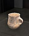 Gerro neolític amb línies esgrafiades, museu de l'Aigua d'Alacant.JPG