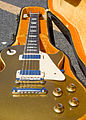Gibson Les Paul Deluxe in case2 (SN 897292).jpg