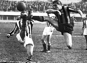 Giuseppe Meazza - Giuseppe Meazza playing with Internazionale