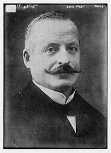 Giuseppe Motta circa 1915.jpg