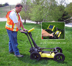 Utility locator identifying buried utilities u...