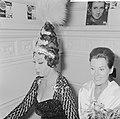 Grand Gala du Disque in Concertgebouw. Uitreiking Edisons. Josephine Baker en Li, Bestanddeelnr 916-9676.jpg