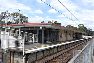 Greensborough railway station - View towards Hurstbridge in December 2008