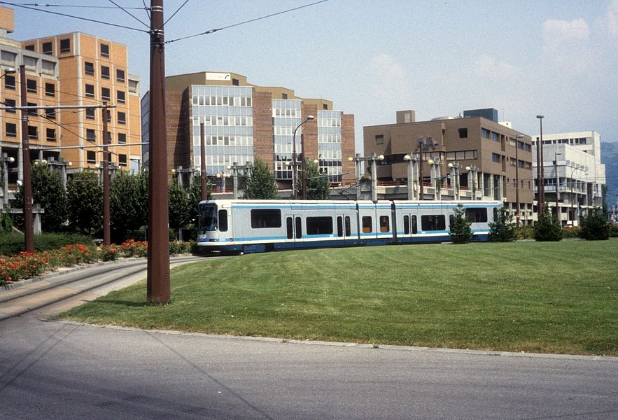 Grenoble TAG SL A (Alstom-TFS 2 2011) Grand' Place am 30. Juli 1992.
