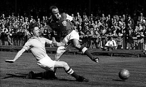 Allsvenskan - Sune Sandbring, Malmö FF in a game with Sanny Jacobsson, GAIS in 1953.