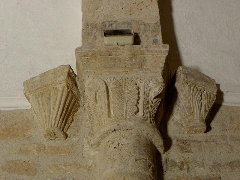 Église Saint-Michel de Guzargues (34). Chapiteaux intérieurs.