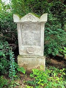Das Grab von Adalbert Gyrowetz im Gräberhain des Währingerparks (Quelle: Wikimedia)