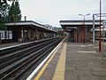 Harrow & Wealdstone stn Bakerloo DC platforms look north.JPG