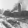 Helsinki railway station on fire 1950.jpg