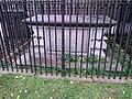 Henry Stone's tomb, Skellingthorpe, 2015.jpg