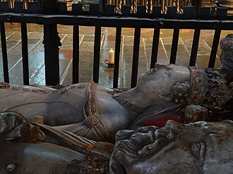 Joan of Navarre, Queen of England - Joan's funeral effigy in Canterbury Cathedral, beside that of her husband.