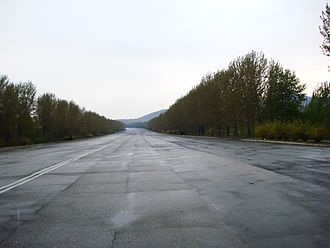 Nampo - The 'Youth Hero Motorway' connecting Pyongyang to Namp'o.