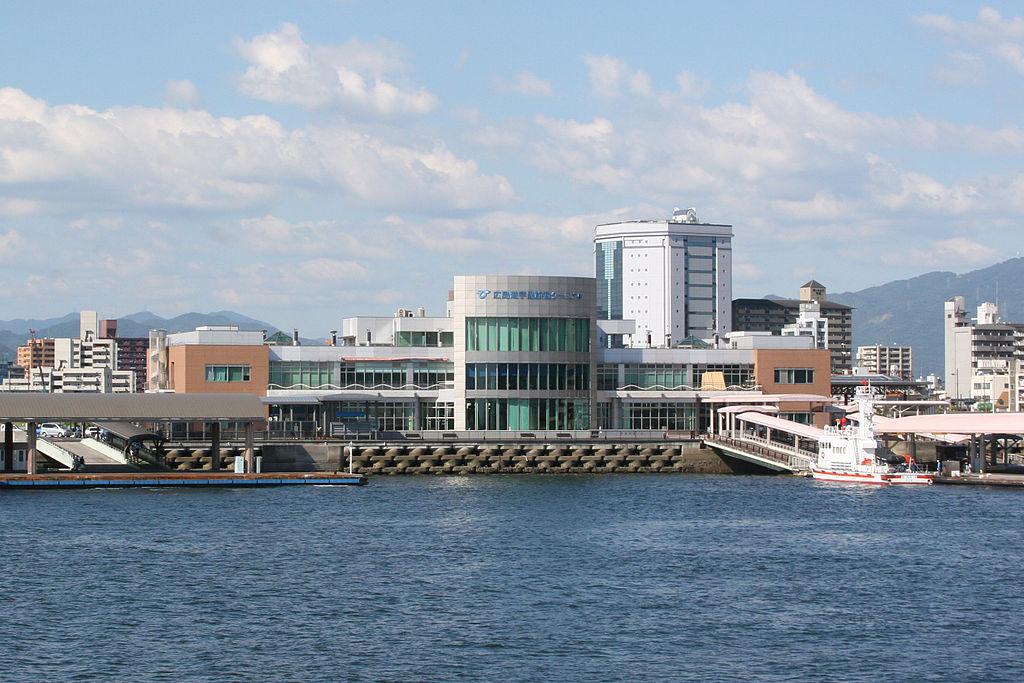 Hiroshima Port Ujina Passenger Terminal 20070811 crop2