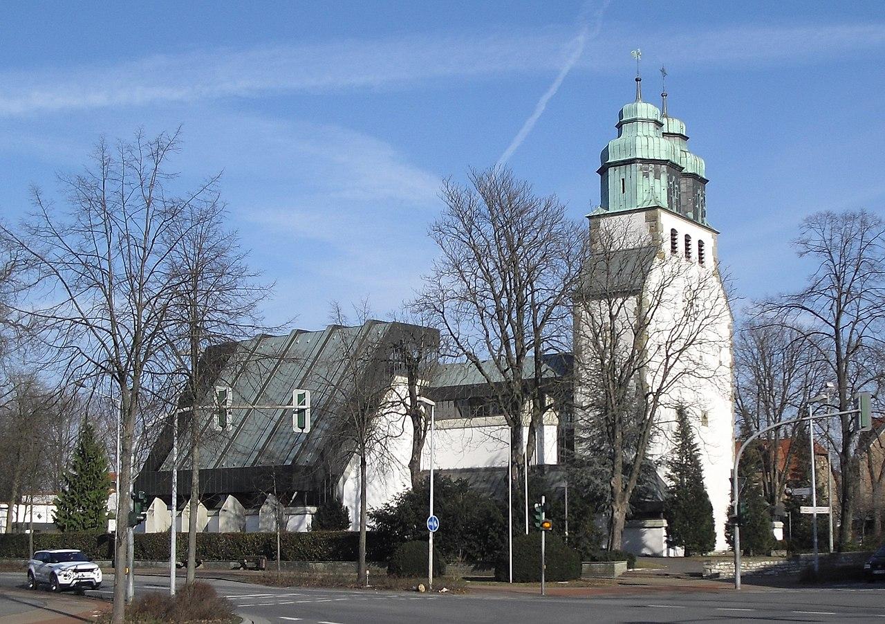 Datei:Hoevelhof-Kirche-4.jpg - Wikipedia