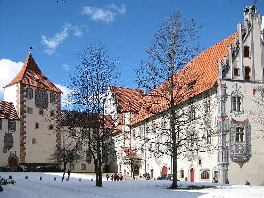 Hohes Schloss Fuessen Innenhof 2