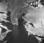 Holgate Glacier, terminus of tidewater glacier, firn line, and faint folia, August 27, 1963 (GLACIERS 6553).jpg