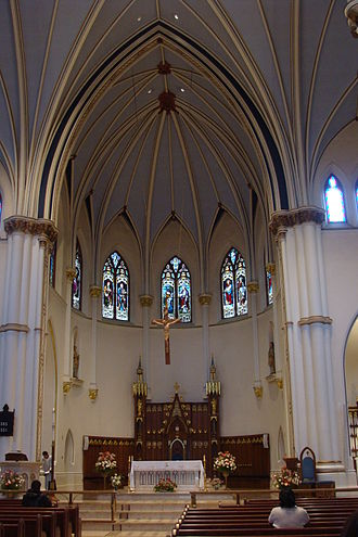 Holy Rosary Cathedral (Vancouver) - The altar and sanctuary of the cathedral