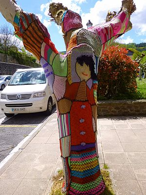 Knitting - Yarn bombing (or knitted graffiti) in Ibarra de Aramayona (Aramaio).