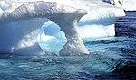 Iceberg horadado 3.jpg