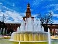 Il Castello Sforzesco e la fontana.jpg