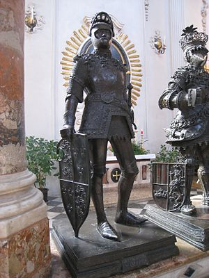English: Statue of King Arthur, Hofkirche, Inn...