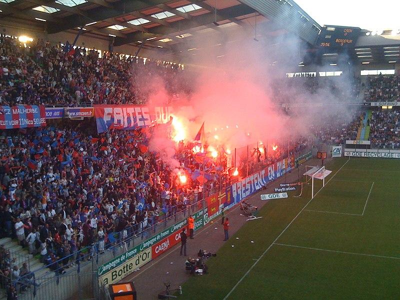 Supporters du SM Caen au stade Michel d'Ornano