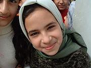 Niña iraquí sonriendo