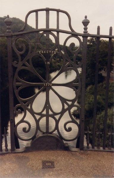 Файл:Iron Bridge Detail - geograph.org.uk - 543417.jpg