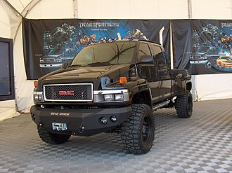 Transformers (film) - The GMC Topkick used to portray Ironhide
