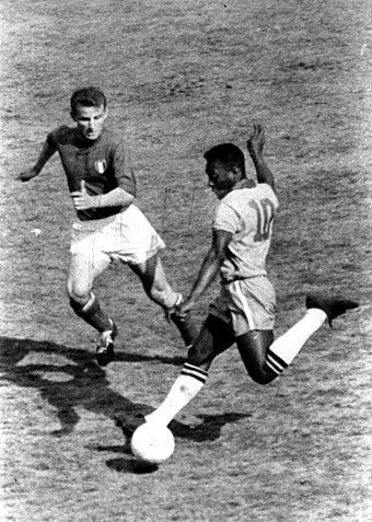 Pele with Brazil taking on Italy's Giovanni Trapattoni at the San Siro, Milan in 1963 Italy v Brazil, 12 May 1963 - Trapattoni and Pele.jpg