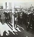JK hasteando a bandeira na inauguração de Brasília - BR RJANRIO PH 0 FOT 00749 0027, Acervo do Arquivo Nacional.jpg