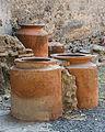 Jars Pompeii.jpg