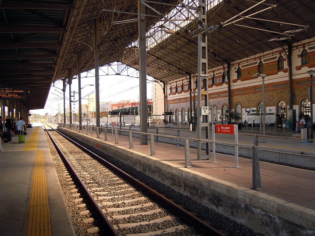 L nea 65 media distancia wikipedia la enciclopedia libre - Estacion de tren puerto de santa maria ...