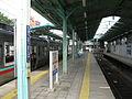 Joden-Chuo-maebashi-station-platform-20100907.jpg