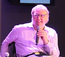 John Hockenberry at New America NYC (Dis)Honesty - The Truth About Lies (19962005979) (cropped).jpg