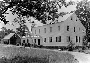 Rockingham (house) - Back of Rockingham circa 1910 with stone outer house still in place before the move