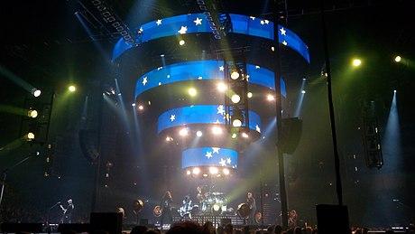 Kapela Kabát během koncertu v roce 2017 b91385f0ec8
