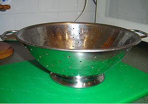 English: A colander, photographed by DO'Neil.