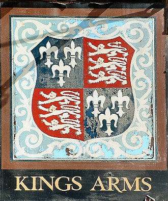 Royal Arms of England - Image: Kings Arms, Blakney, Norfolk