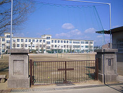 Kozakai Junior High School.jpg
